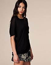 Bay Silk Tee SEK 449, Acne - NELLY.COM