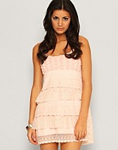 Lace Dress SEK 399, Qed London - NELLY.COM