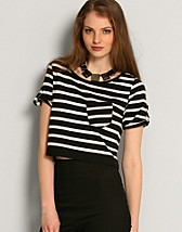 Liam Short Top SEK 199, Object - NELLY.COM