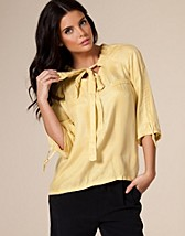 Pearl 3/4 Top SEK 499, Object - NELLY.COM