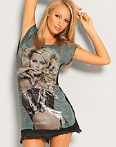 Pamela Sequins Tee SEK 299, Club L - NELLY.COM