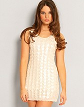 Square Pearl Dress SEK 299, Club L - NELLY.COM