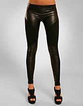 Divide Leather Leggings SEK 149, Club L - NELLY.COM