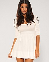 Cissi Dress SEK 229, Club L - NELLY.COM