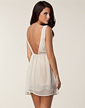 Party dresses , Tindra Low Back Dress , Glamorous - NELLY.COM