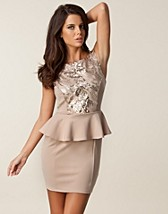 Festklänningar , Sequin Peplum Low Dress , Dark Pink - NELLY.COM