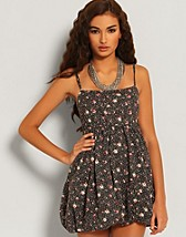 Strappy Floral Puff Dress SEK 229, Paprika - NELLY.COM