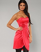 Red Corsage Dress SEK 299, Paprika - NELLY.COM