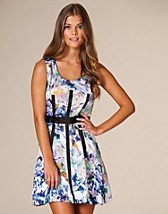 Flower Printed Dress SEK 399, Max C - NELLY.COM