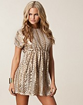 Party dresses , Eden Sequin Dress , TFNC - NELLY.COM