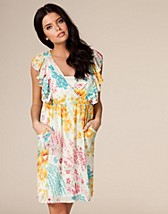 Partykleider , Floral Ruffle Dress , Awear - NELLY.COM