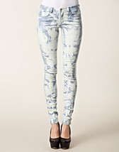 Jeans , Cleavo Low Tie Dye Jeans , Vila Basic - NELLY.COM