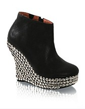 Kayla Shoe EUR 191,90, Jeffrey Campbell - NELLY.COM