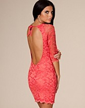 Lace Cut Out Back Dress SEK 299, John Zack - NELLY.COM