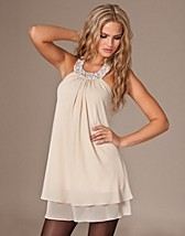 Kelly Dress SEK 599, Esmeralda - NELLY.COM