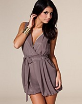 Sleeveless Jumpsuit SEK 379, Angeleye - NELLY.COM