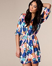 Must-have Dress SEK 399, Nelly Trend - NELLY.COM