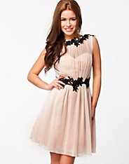 Lace Detal Chiffon Dress