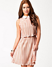 Collar Pleated Dress