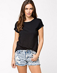 Moppi Cropped Tee