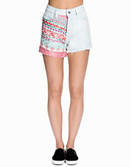Tapestry Front High Waisted Shorts Native Rose (1728605357)