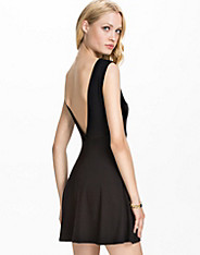 V Back Drop Arm Skater Dress