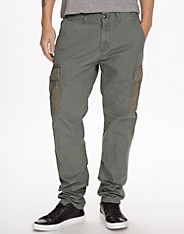 Relaxed Slim Fit Cargo