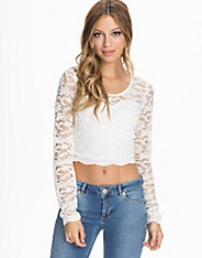 Sweetheart Scallop Lace Crop L/S Top