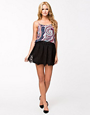 Ked Lace Skirt