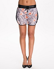 Vilyn Shorts