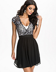 Scalloped Lace Chiffon Dress