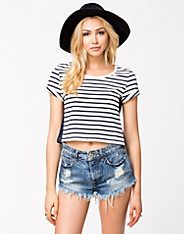 Willy Cropped Panel Top