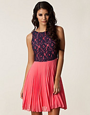Poppy Pleated Lace Dress