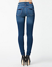 Super Fix Skinny Jeans