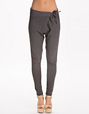 Embroidery Detail Sweat Pant