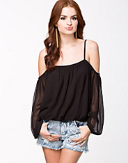 No Shoulder Blouse