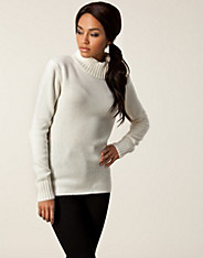 Juene Roll Neck Knit